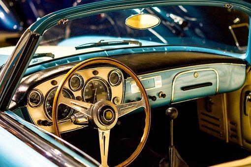 automobilio salonas